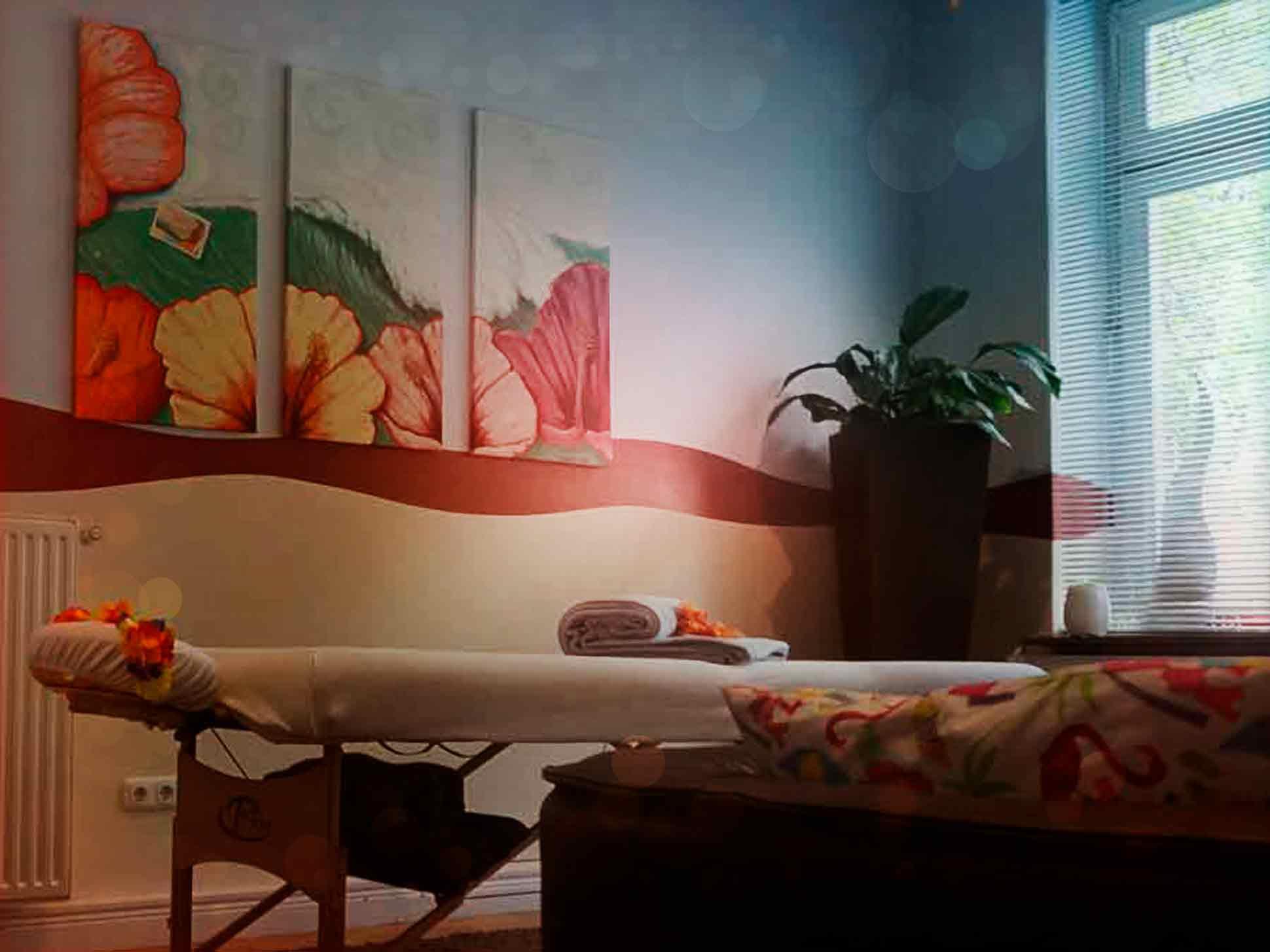 Behandlungsliege-Fenster_blauton